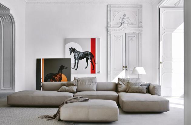 Modulární sofa Pianoalto (Zanotta), design Ludovica a Roberto Palombovi, ocelový rám, čalounění z polyuretanu s prošívanou vložkou z husího peří, šířka vyobrazené kombinace 432 cm, výška sedu 36 cm, cena od 295 000 Kč, WWW.PUNTODESIGN.CZ