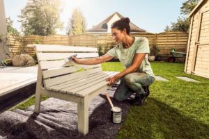 Nekupujte, renovujte! Aneb obnova dřevěného zahradního nábytku