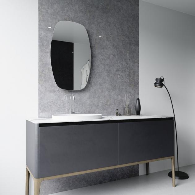 Obklad stěny v koupelně z Grafoskla, dekor kámen (JAP FUTURE)
