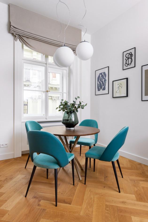 Interiérový showroom CASA MODERNA čile spolupracuje s architekty i designéry. Po dohodě se zadavatelem dodává komplexní interiéry od osvětlení až po kuchyňské sestavy.