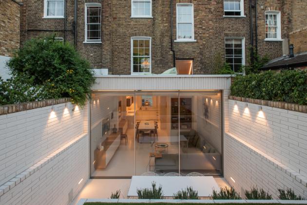Potenciál úzkého domu v Londýně využitý na maximum