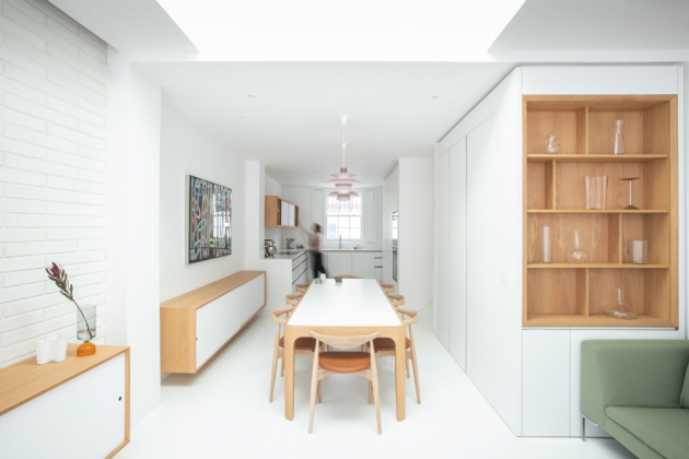 Kuchyň je propojena s obývací částí