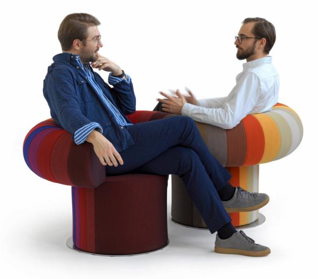 Modulární Big Talk (Bla Station) je excentrický solitér jako stvořený k družbě.