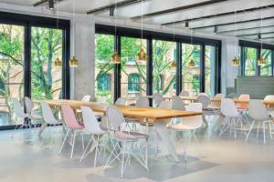 Vitra otevřela ve svém sídle první Club Office a představila produktové novinky do kanceláří