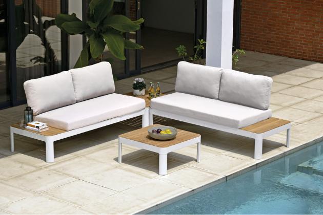 Variabilní sestava nízkého sezení Portals, hliník / bělené eukalyptové dřevo, polstrované polštáře, cena pohovky 9 490 Kč, cena stolku 3 690 Kč, WWW.MOUNTFIELD.CZ