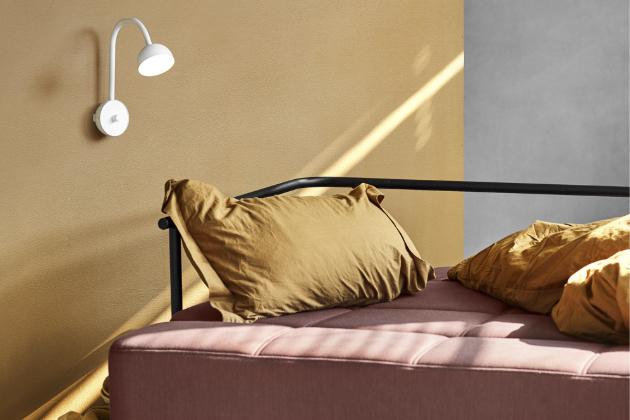 Blush (Northern), lakovaná ocel, O 9 cm, výška 28 cm, cena 7 290 Kč, WWW.DESIGNVILLE.CZ
