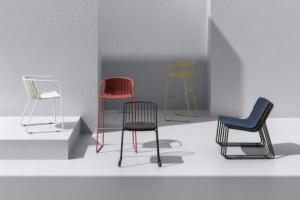 Styčným bodem mezi světem designu a nautiky je redesignovaná série outdoorových židlí Randa (Arrmet).