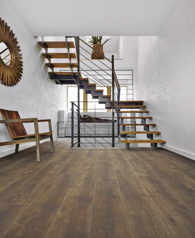 Vinylová podlaha z kolekce Divino Click 0,55 (Floor Forever), dekor 53870 Dub Venezia, rozměry 191 × 1 316 × 4,5 mm, cena 1 205 Kč/m2, WWW.FLOORFOREVER.CZ