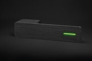 Svíticí dveřní klika Minimal (MaT) v černém matném provedení s drásaným povrchem, design Roman Ulich, cena na dotaz, WWW.KLIKY-MT.CZ