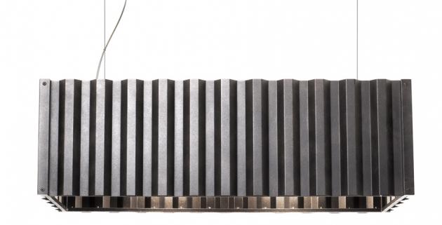 Závěsné svítidlo Container (Diesel with Foscarini), polykarbonát a ocel, rozměry 27 × 85 × 35 cm, cena 20 797 Kč, WWW.BULB.CZ