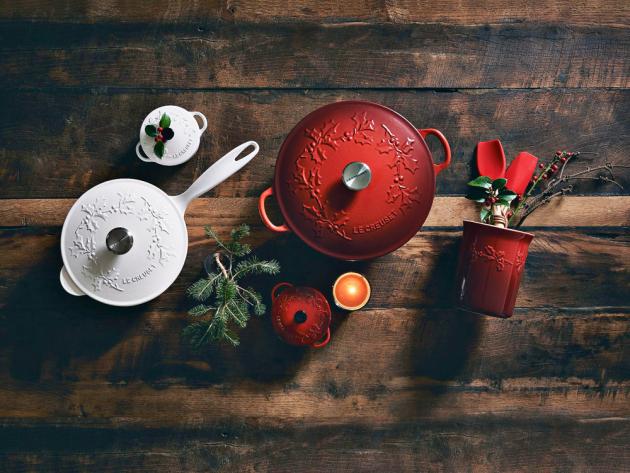 Litinové nádoby z řady Signature (Le Creuset) s odolným smaltem, několik velikostí, tvarů a barev, cena na dotaz, WWW.LECREUSET.DE